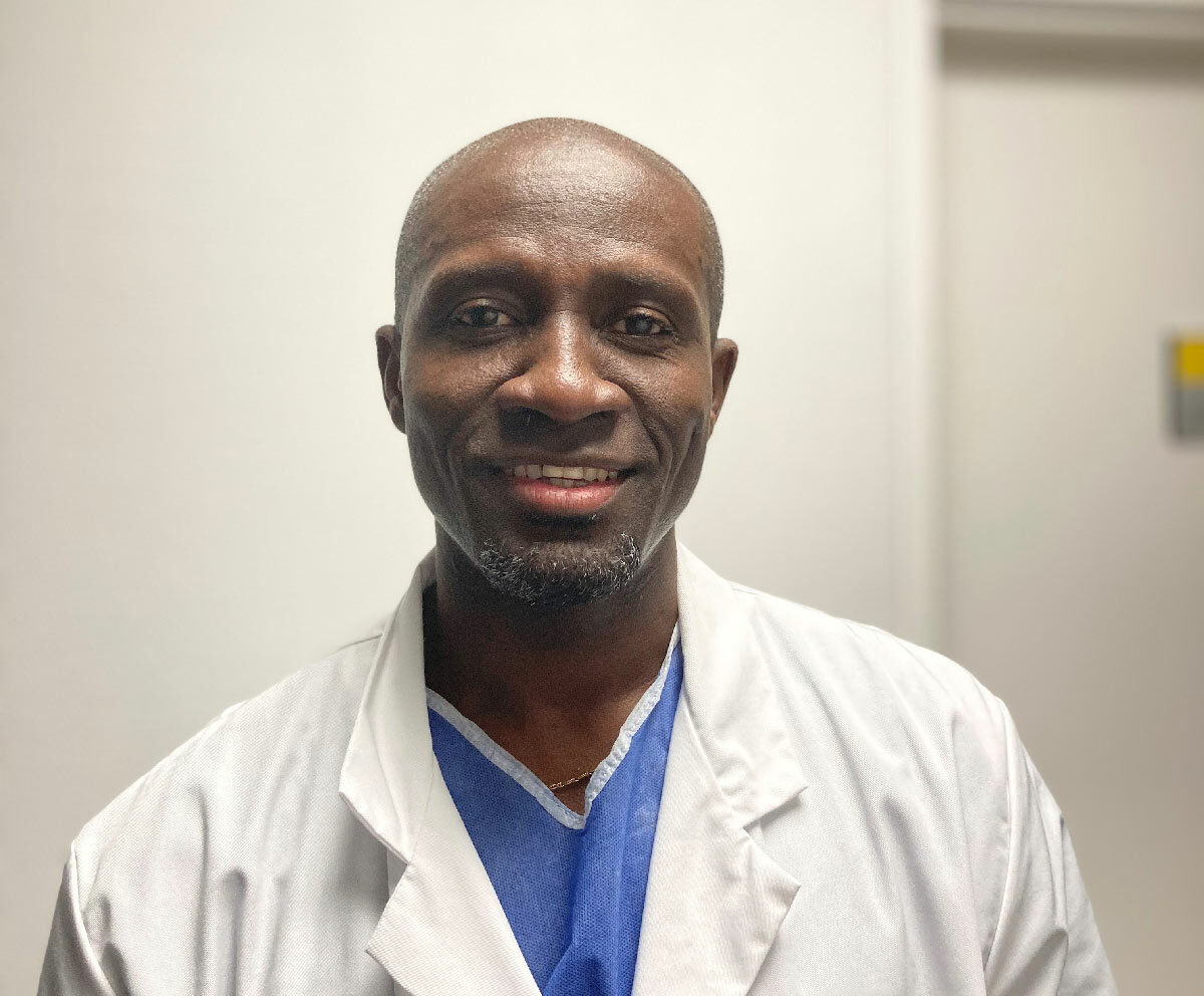 Docteur Alexandre Ntouba, anesthésiste, exerce à la Polyclinique de Picardie à Amiens.