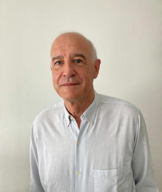 Docteur Dominique Couvreur, chirurgien esthétique et plastique, vous accueille dans son cabinet à Amiens et intervient à la Polyclinique de Picardie.