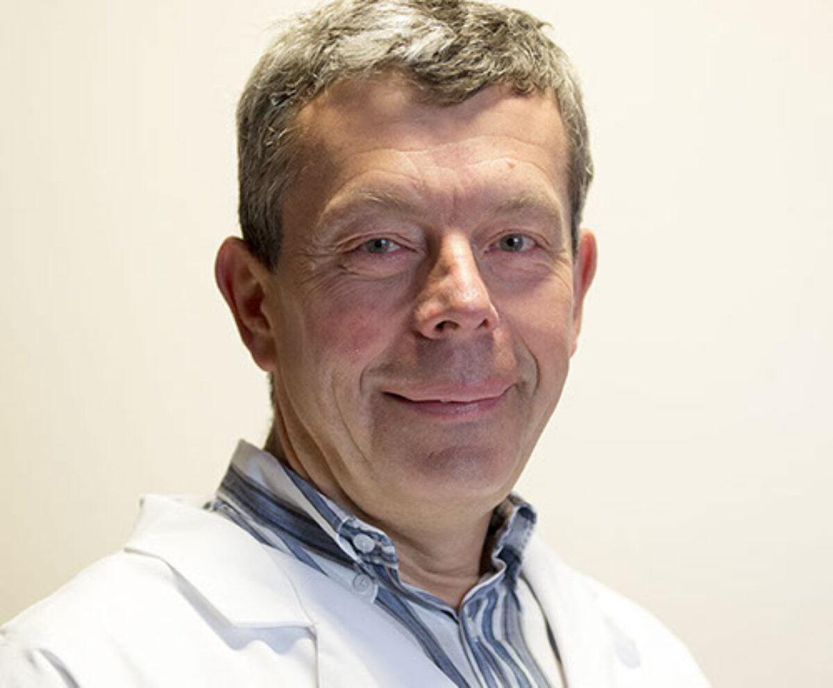 Docteur Alain Marek, cardiologue, est spécialiste du cœur et de ses pathologies ainsi que des problèmes vasculaires.