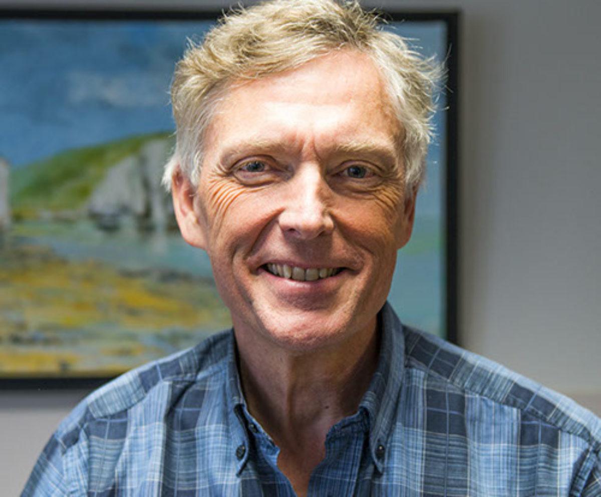 Docteur Pierre Avinée, cardiologue, est spécialiste du cœur et de ses pathologies ainsi que des problèmes vasculaires.