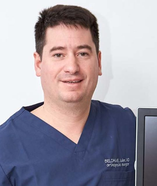 Docteur Julien Beldame, chirurgien orthopédique et traumatologique du membre inférieur et spécialiste du pied et de la cheville